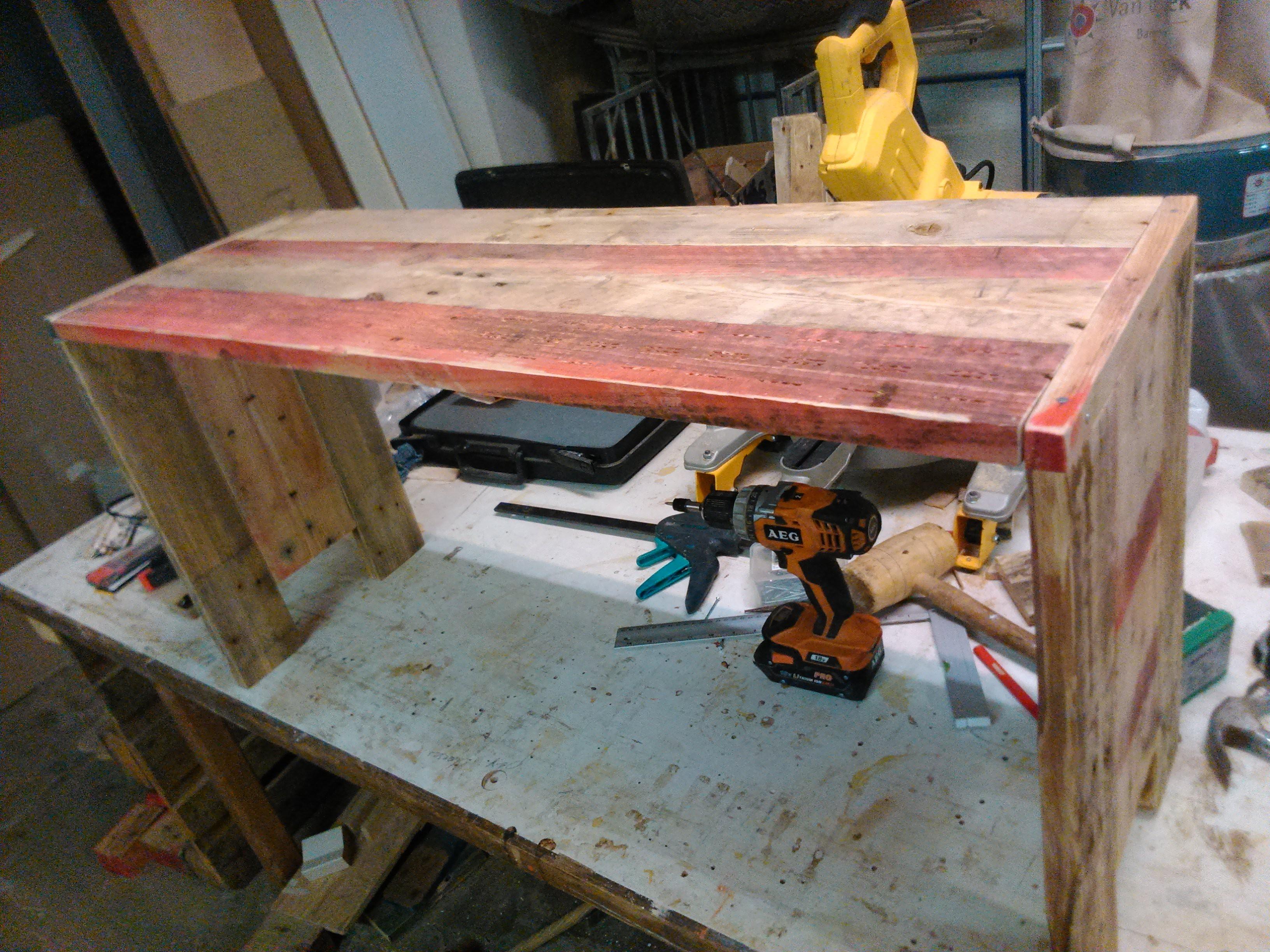 Tafel van pallethout nn54 belbin info for Pallet tafel zelf maken